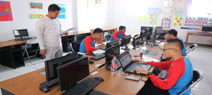 LOMBA POTENSI SISWA BIDANG WEB DESIGN DAN APLIKASI IT SOFTWARE  ANTAR SMA/SMK TINGKAT KABUPATEN.